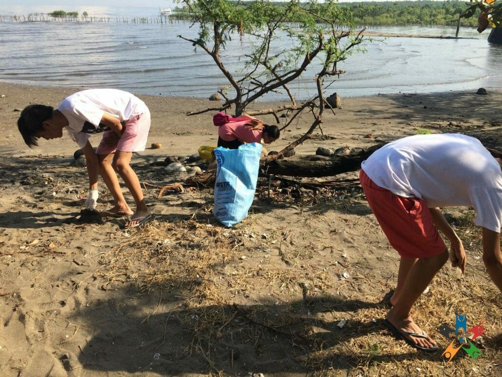 HAPI Junior battles plastics through a coastal clean-up